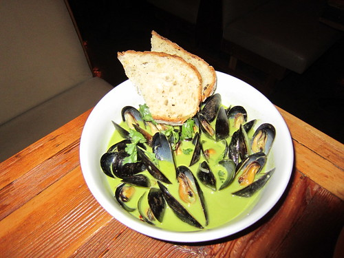 Mussels in Green Curry are Superb