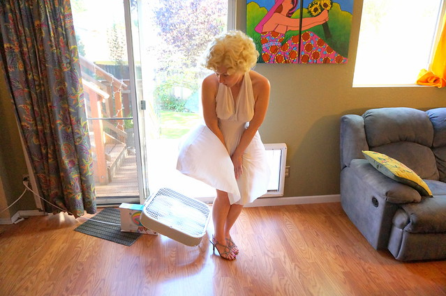 Liz as Marilyn with fan and room