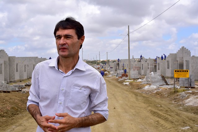 Romero com Evangélicos terão terreno no Complexo Aluízio Campos 21/09/2015