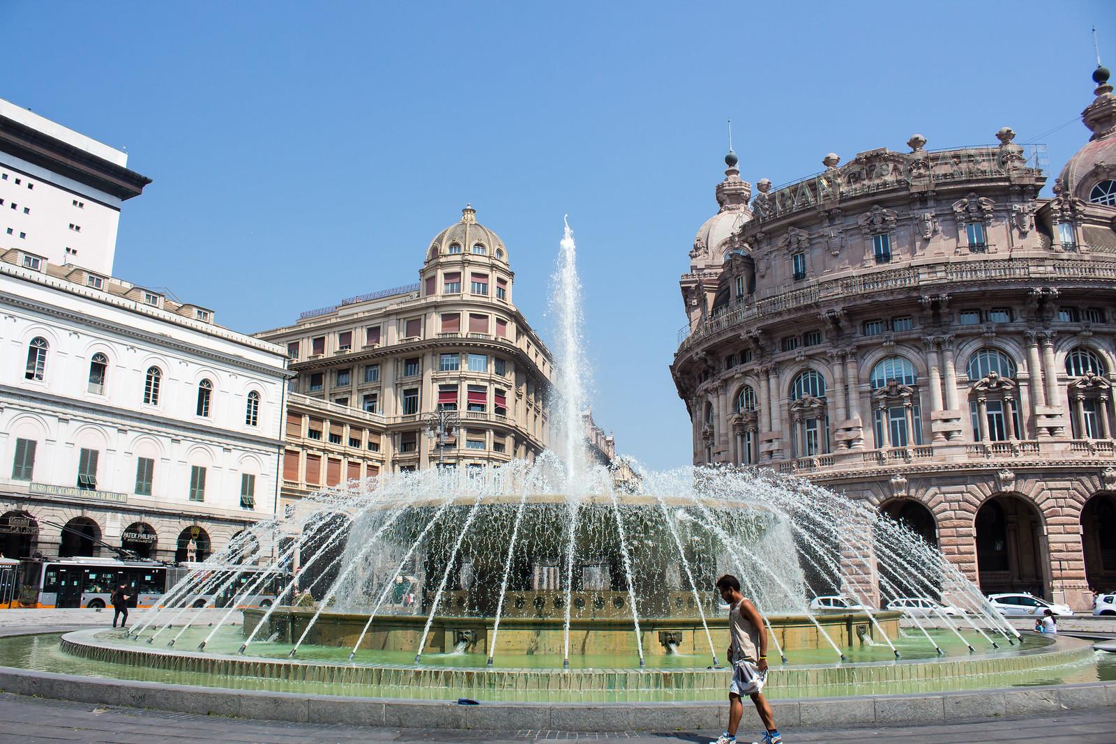 Генуя - Ну и в центрпе площади Феррари, прекрасный фонтант