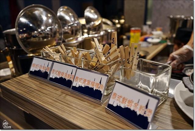 22836421361 29fa4fda71 z - 『熱血採訪』泰皇城泰式自助百匯餐廳-台中第一間泰式料理吃到飽餐廳不分時段吃到飽 天使紅蝦、萬里蟹、泰式椒麻雞、青島啤酒、Haggen-Dazs等全都讓你吃免驚(已歇業),