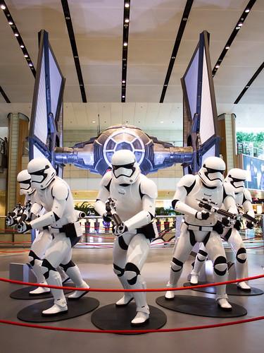 Changi_Star_Wars_The_Force_Awakens_10
