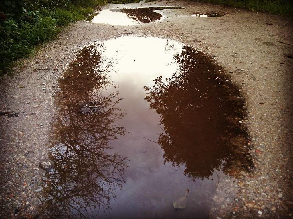 Reflejos en los charcos. #Coruña #reflejos