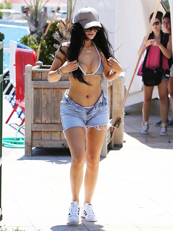 Kylie Jenner Stopping by the airport in Saint-Barthélemy