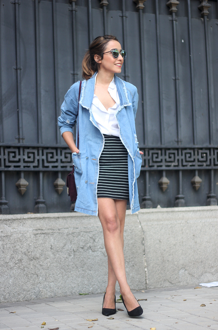 Denim Coat Stripes Skirt White Blouse Burgundy Uterqüe Bag Outfit06