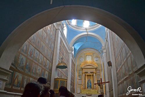 Interior (saqueado) del templo del Sagrado Corazón de María.