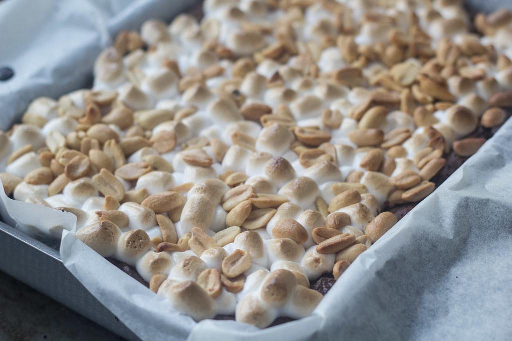 Brownie med skumfiduser og peanuts (16)