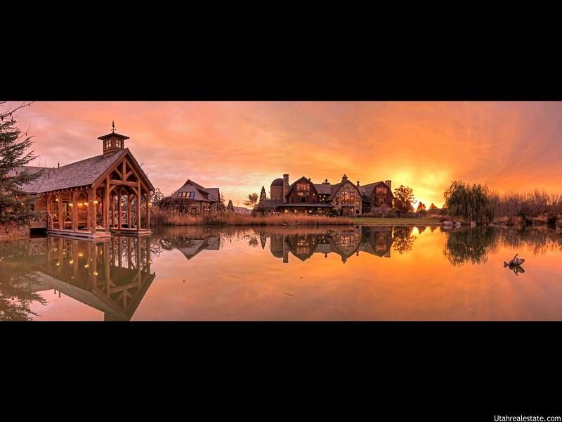 Самый красивый дом на озере