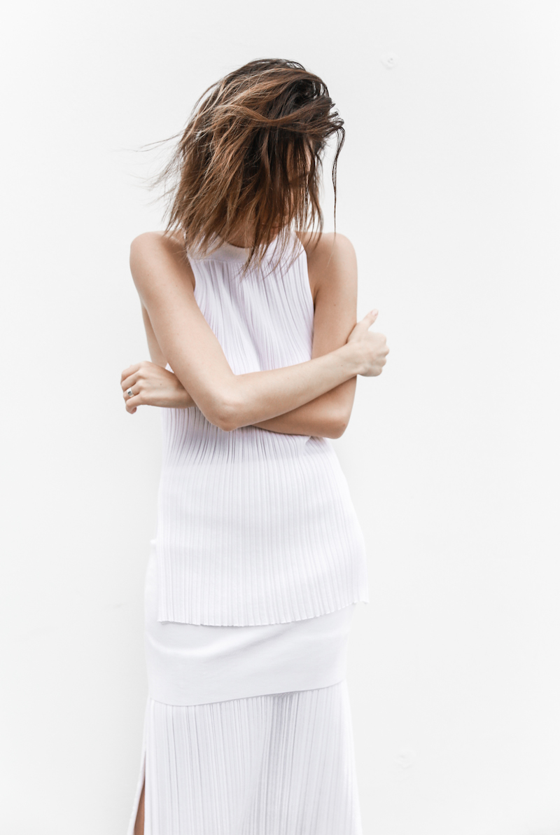 all white street style resort summer josh goot weekend inspo modern legacy (4 of 7)