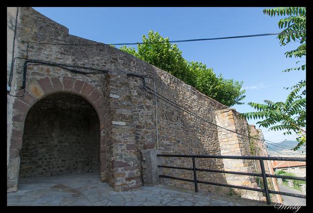 Berdún pueblos más fotografiados Pirineos - Portal de la Virgen