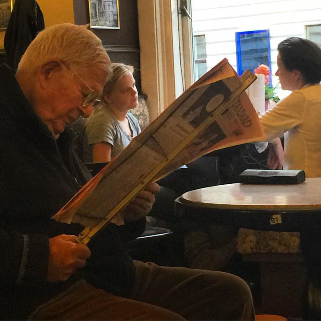 Newspaper #paper #oldmen #oldguy #vienna #wien   Ismail