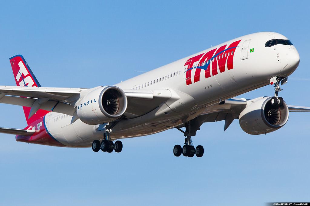 TAM Linhas Aéreas Airbus A350-941cn 024 F-WZFS // PR-XTA