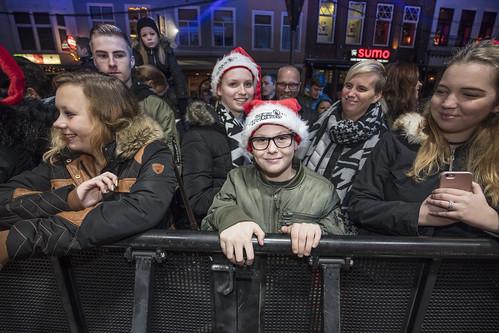 Publiek bij het Glazen Huis