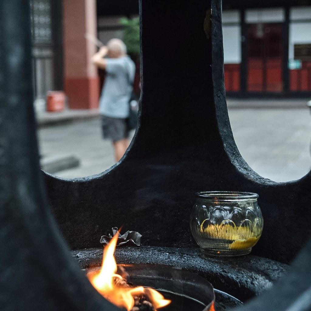 Rituals at the Wenshu Monastry in Chengdu