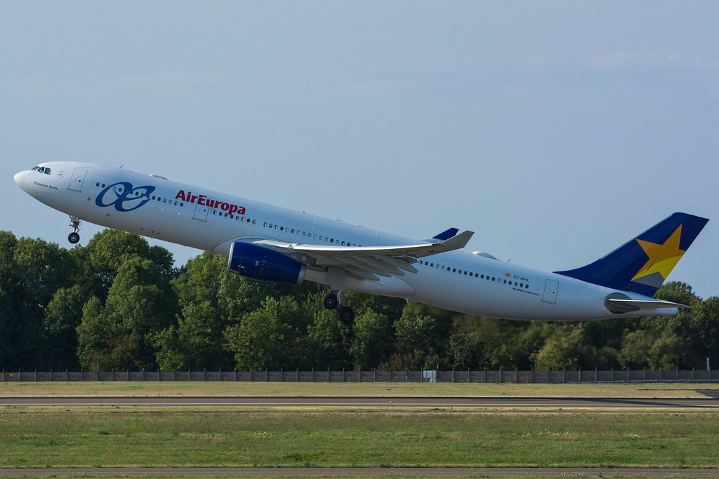 EC-MHL - A333 - Air Europa