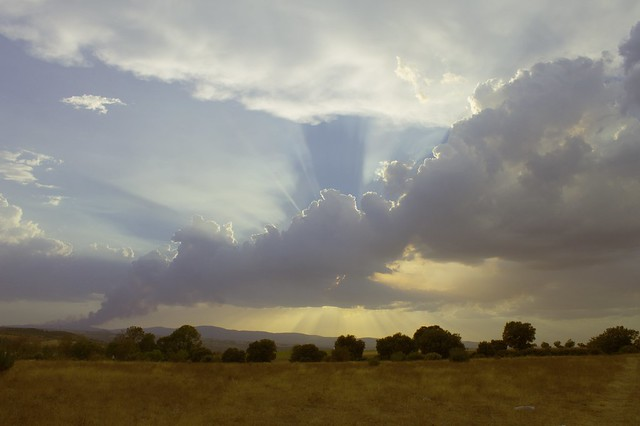 Tras-os-montes sun and cloud2