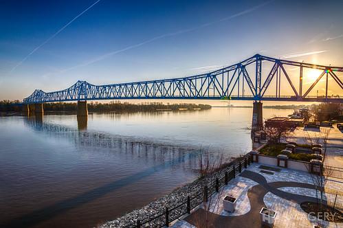 ky kentucky ohioriver owensboro riverfront bluebridge downtown elevated glovercary sky sunrise