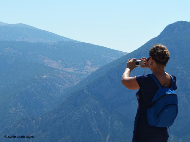 Vista panorámica del monte Parnaso en Delfos (Grecia)