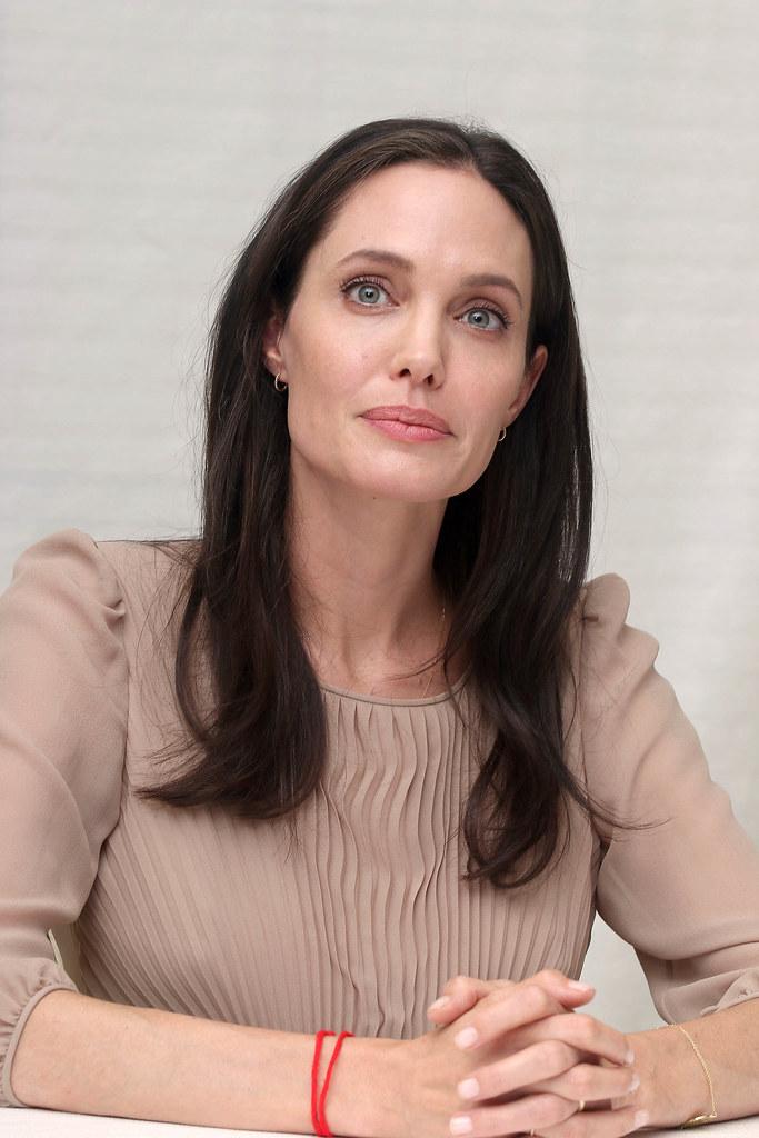 Анджелина Джоли — Пресс-конференция «Лазурный берег» 2015 – 68