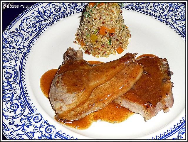 צלעות טלה בארוחת הערב ב- Domaine de Rasigous