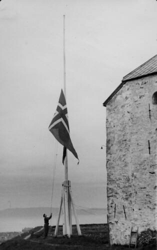 Flaggheising på Kristiansten Festning (1945)