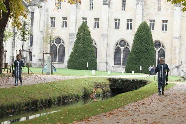 (par-)cours et jardins chorégraphiques // création le 17 octobre 2015 // Abbaye de Royaumont