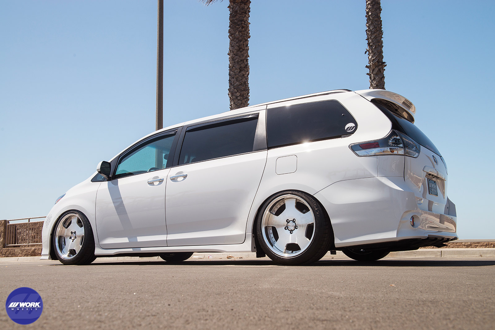 toyota sienna se on work lanvec ld1 photoshoot work wheels usa. Black Bedroom Furniture Sets. Home Design Ideas
