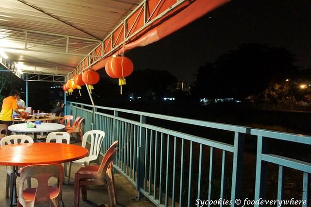 7.riverview small village restaurant (1)