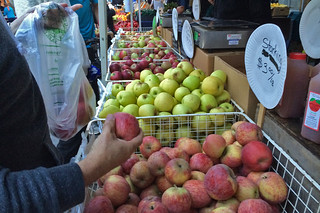 Mission Farmer's Market - Apples