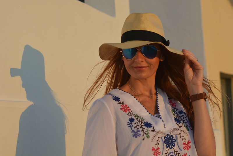 Summer holiday outfit | Embroidered top, straw hat