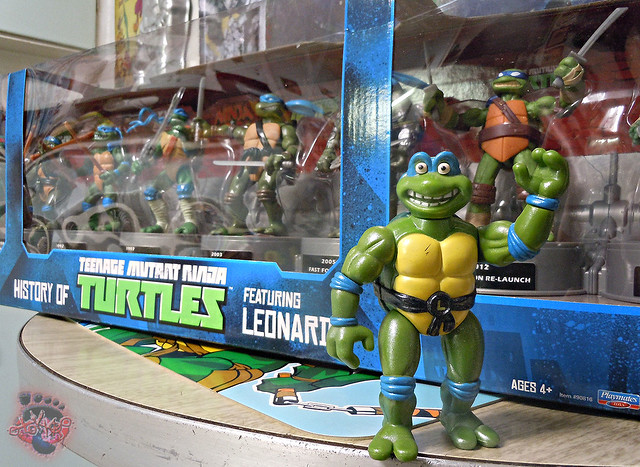 "Nickelodeon ""HISTORY OF TEENAGE MUTANT NINJA TURTLES"" FEATURING LEONARDO i (( 2015 ))"
