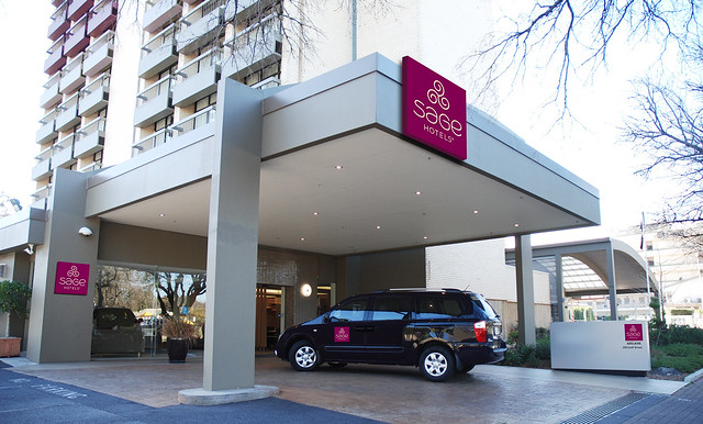 Sage_Hotel_Adelaide_Entrance_Apr2015.jpg