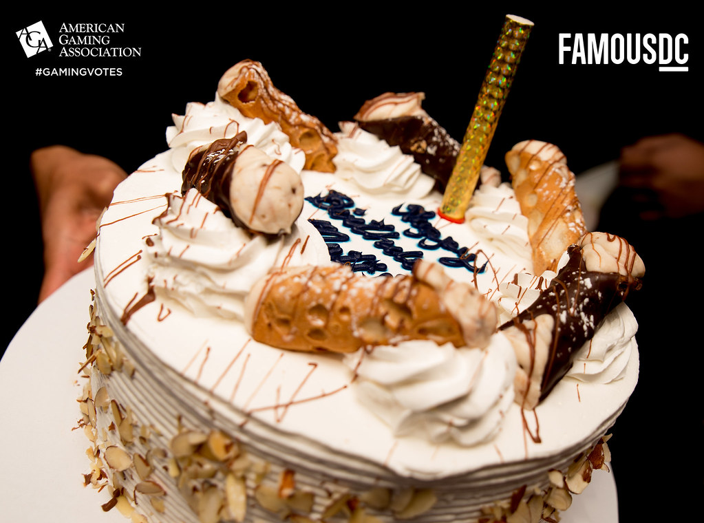 FamousDC121415-8574