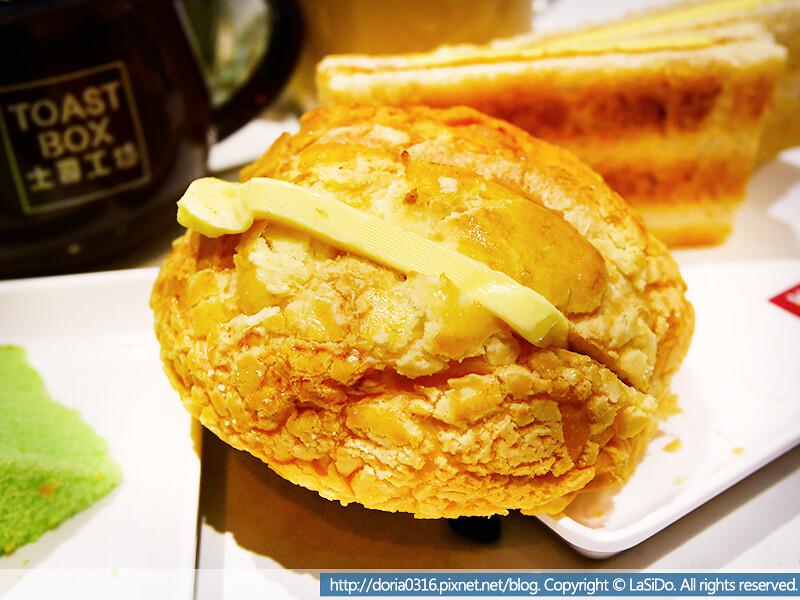 土司工坊-菠蘿油包