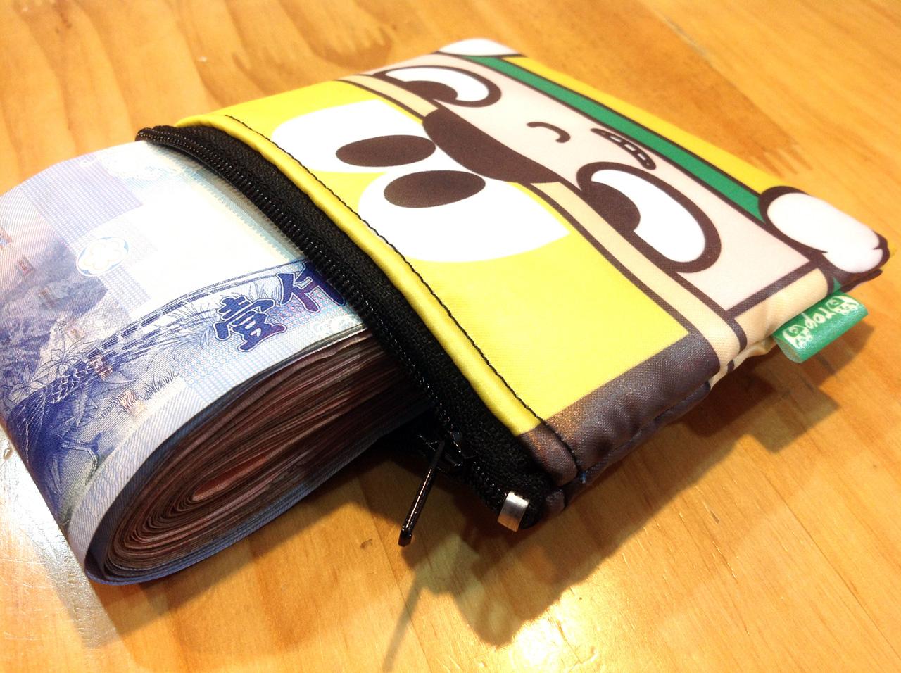 stack-戴黃帽的積木人-防水零錢包-02