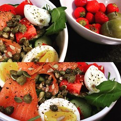 I decided to reset a big after getting to Brussels last week and immediately getting food poisoning. Salad for breakfast: arugula, tomatoes, salmon, boiled egg, capers & a bit of brine, cucumbers, seed mix & EVOO. Off to the side are tiny strawberries and