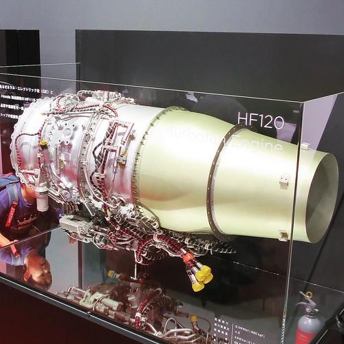 飛行機エンジンまであったよ。 #東京モーターショー