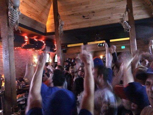 Holy shit, going to the NLCS!! So great to be at a bar with fellow #Mets fans in Chicago!