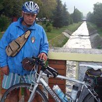 Conversano- Giovanni Carone atraverso i balcani in bicicletta