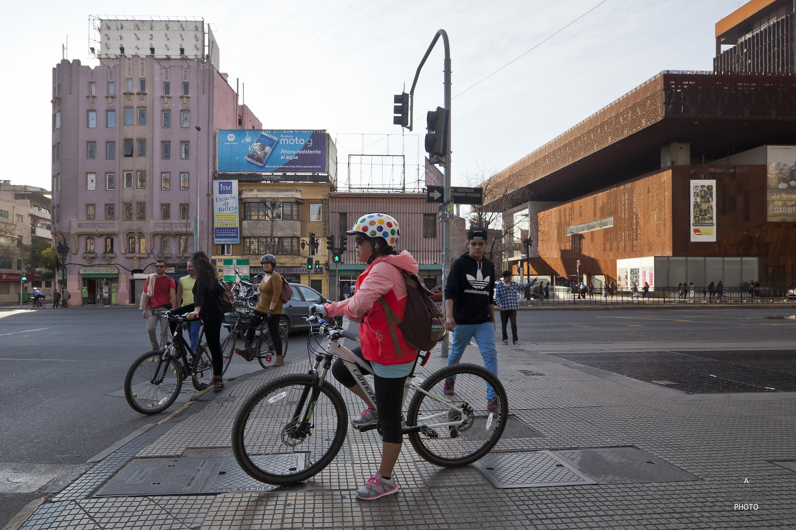 Cyclist along Avenida Bernardo O'Higgins