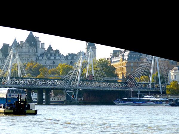 sous un pont … un pont !