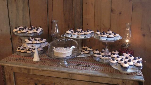 Meg's Wedding Cupcakes 11