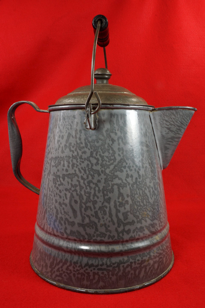RD14935 Antique Large Gray Graniteware Coffee Pot with Lid & Black Wood Handle  DSC07531