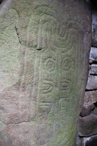 Inscription dans le dolmen des pierres plates