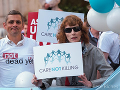 Dual Yes and No protest against Assisted Dying Bill - 16.01.2015 -110392.jpg