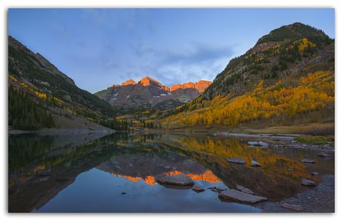 light sun lake sunrise colorado aspen alpenglow maroonbells