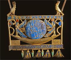 Pectoral (Exposition Osiris, Institut du Monde Arabe)