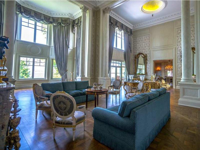 Дизайн огромной гостиной