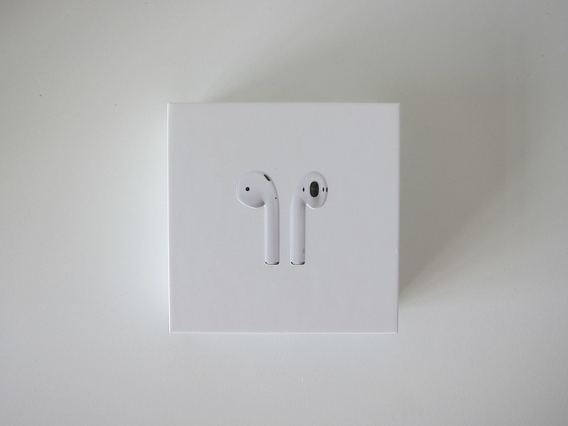 Apple AirPods - Box Front