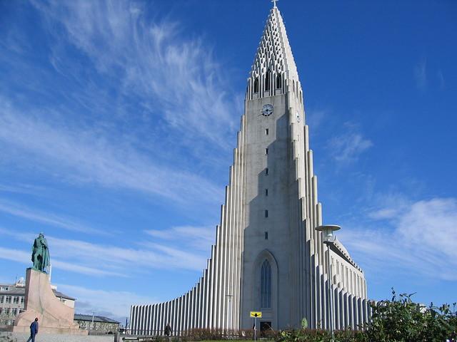 Leifur Eiriksson Monument
